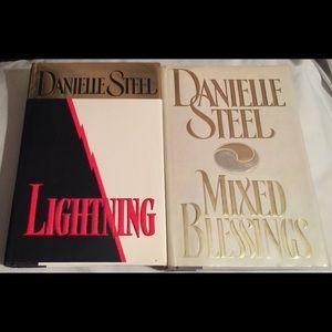Danielle Steel 📖 Hardcover Books (2)